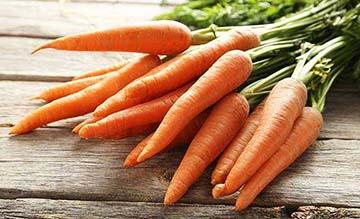 Dieta com cenoura ajuda a controlar a queda de cabelo.