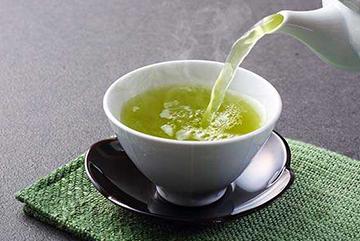 Receita de chá verde para tratar queda de cabelo