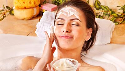 Receitas de cremes naturais para retirar mancha no rosto.