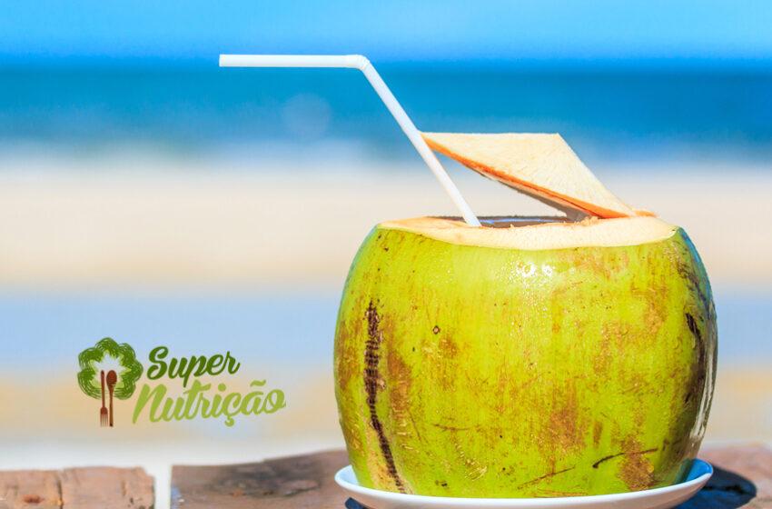 Água de Coco: Muito mais do que para Hidratação