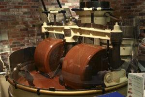 Melanger Indústria de chocolate - Moagem e conchagem de um chocolate 70% cacau – processo da amêndoa até a barra.